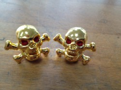 Valve Caps Skull&Bones, gold w/red eyes