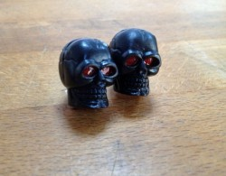 Valve Caps Skull black